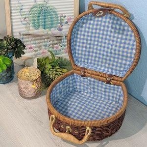 Vintage Wicker Picnic Style Bag